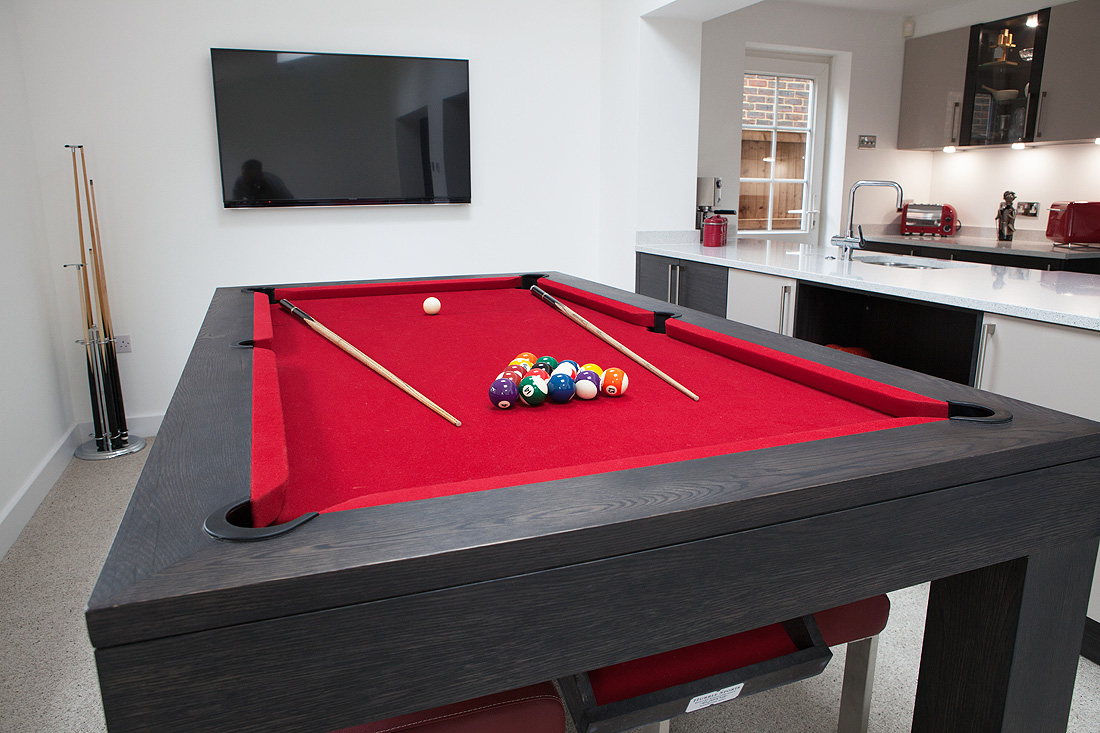 Custom Pool Table - Contemporary Square Leg Pool Diner